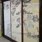 Стекло лакобель с рисунком выбитым со стороны красящего слоя