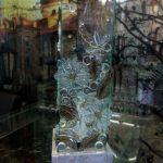 Светильник декорирован фьюзинговыми элементами
